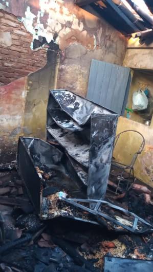 O incêndio ainda não tem causas definidas  (Foto: divulgação/Corpo dos Bombeiros )