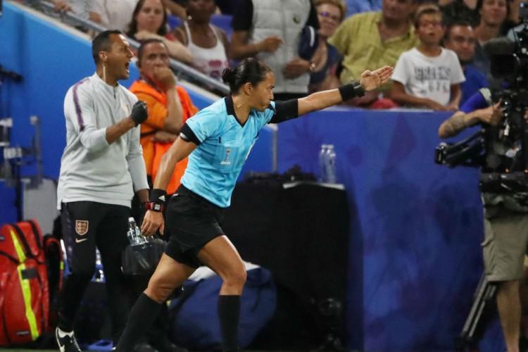 Edina Alves será a única árbitra mulher no Mundial de clubes (Foto: )