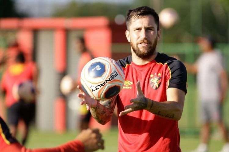 Jonatan Gómez é a única dúvida do Sport para enfrentar o Fortaleza  (Foto: Anderson Stevens/Sport)
