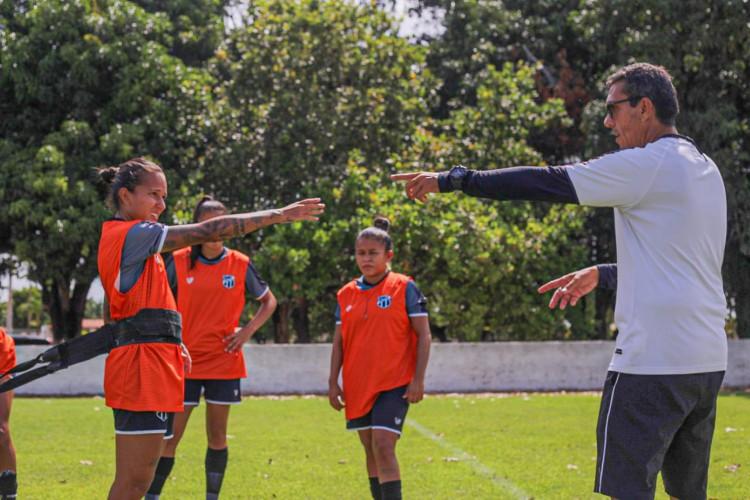 Elenco feminino do Ceará inicia temporada 2021 nesta segunda-feira, 4 (Foto:  Wilton Hoots/cearasc.com)