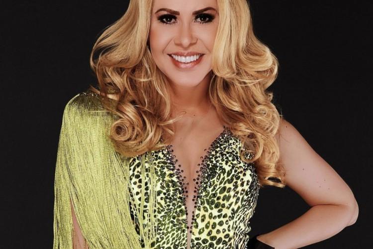 Durante o programa Altas Horas, da Rede Globo, exibido nesse sábado, 2, a cantora Joelma revelou que não beija na boca há quase três anos (Foto: Reprodução/Instagram)