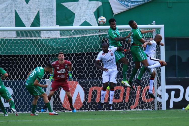 Chapecoense-ES e Brasil de Pelotas-RS ficaram no empate, pela 32ª rodada da Série B (Foto: Márcio Cunha / ACF)