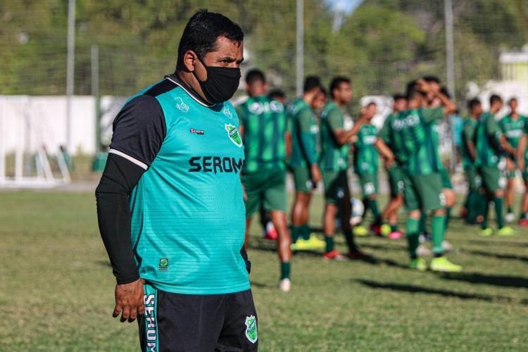 Técnico Leston Júnior espera conseguir título da Série D do Brasileiro com o Floresta (Foto: Ronaldo Oliveira / Floresta EC)