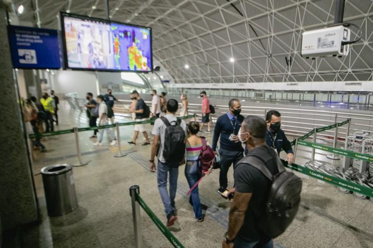 Maioria dos casos suspeitos de terem contraído a variante amazonense são viajantes que chegaram ao Ceará.  (Foto: Aurelio Alves)