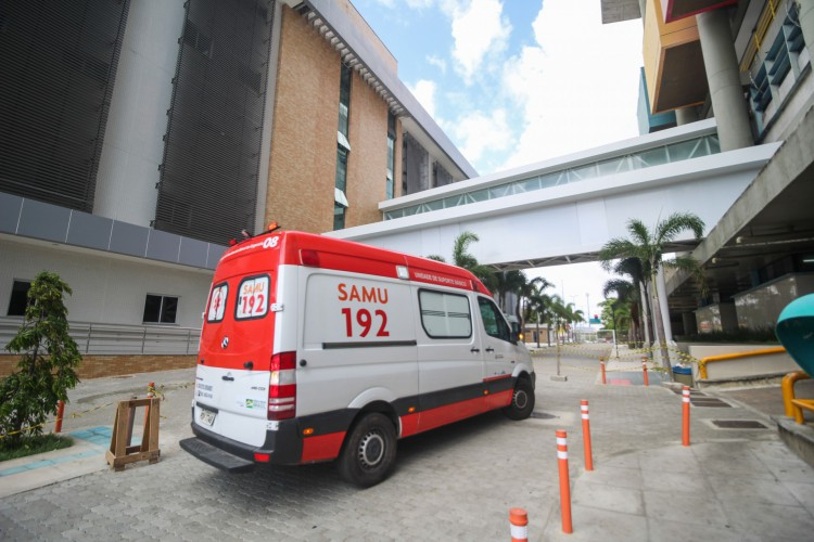 Média geral de ocupação dos leitos de UTis de Fortaleza apresenta disparo (Foto: Deisa Garcez/Especial para O Povo)