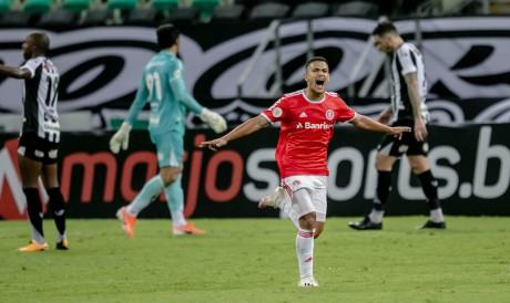 Caio Vidal, do Internacional, nasceu em Fortaleza e marcou seu primeiro gol como profissional na Arena Castelão