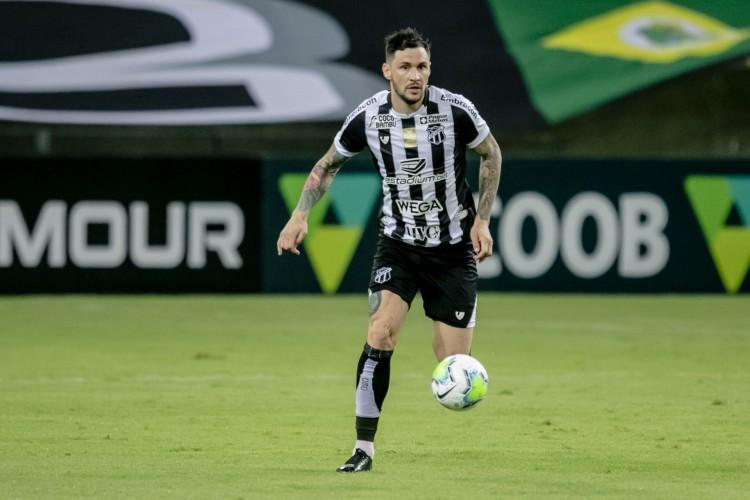 Tiago virou peça importante no time titular de Guto na Série A  (Foto: Aurelio Alves/O POVO)