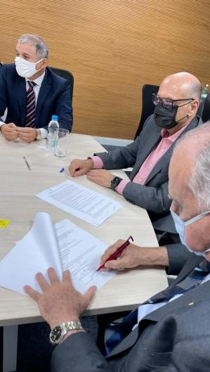 Prefeitura de Maracanaú firmou entendimento para comprar vacina (Foto: ASSESSORIA/DIVULGAÇÃO)
