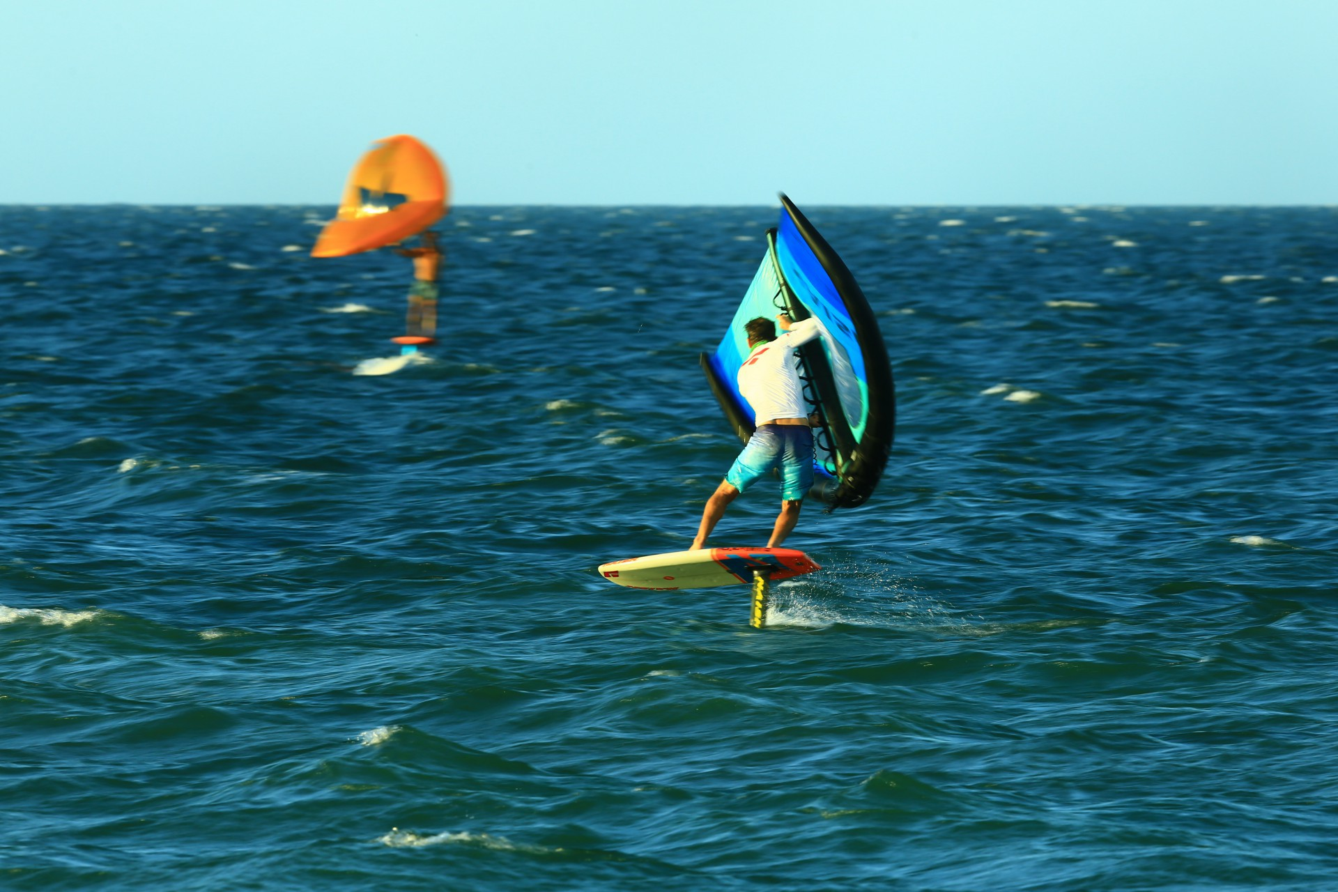 (Foto: Eliseu Souza / Divulgação)Litoral cearense é considerado a meca dos esportes de aventura no mar, como kitesurfe, windsurfe e wingsurfe
