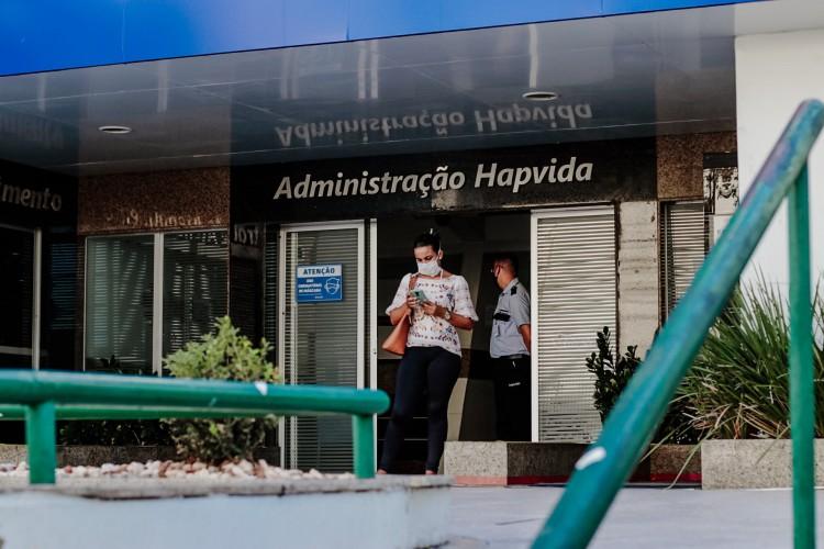 Segundo denúncias, a entidade estaria exigindo que seus profissionais realizassem a prescrição desses medicamentos aos pacientes que apresentavam o vírus pandêmico (Foto: Aurélio Alves)