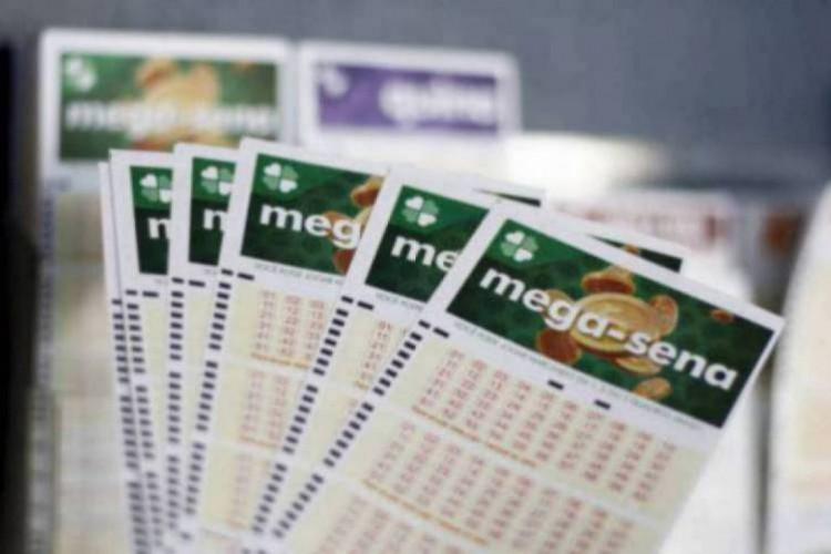 O resultado da Mega Sena Concurso 2334 foi divulgado na noite de hoje, quarta-feira, 13 de janeiro (13/01). O prêmio está estimado em R$ 12 milhões (Foto: Deísa Garcêz)