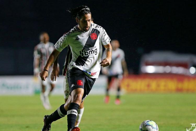 Vasco anuncia prorrogação de empréstimo do argentino Benítez (Foto: )