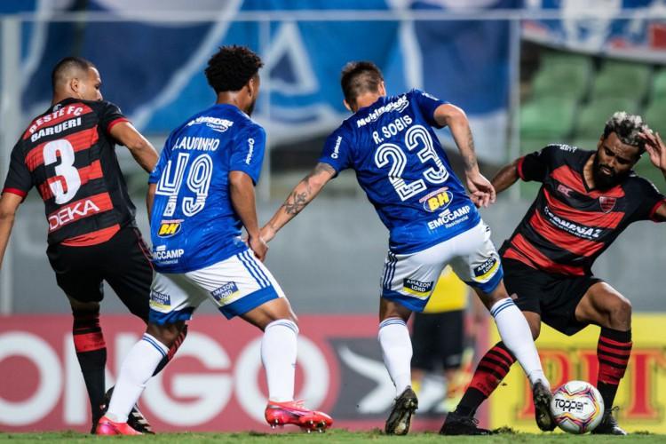 Série B: Cruzeiro perde para lanterna Oeste (Foto: )