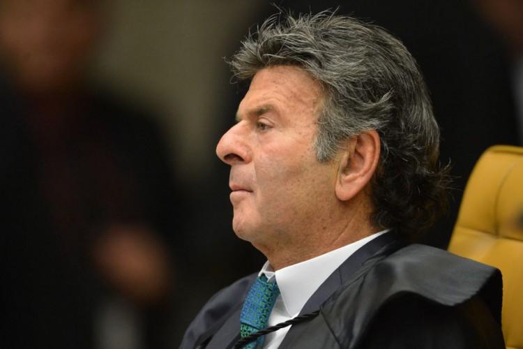 O ministro Luiz Fux, durante a segunda parte da sessão dehoje(23) parajulgamento sobre a validade da prisão emsegundainstância do Supremo Tribunal Federal (STF). (Foto: Fabio Rodrigues Pozzebom/Agência Brasil)
