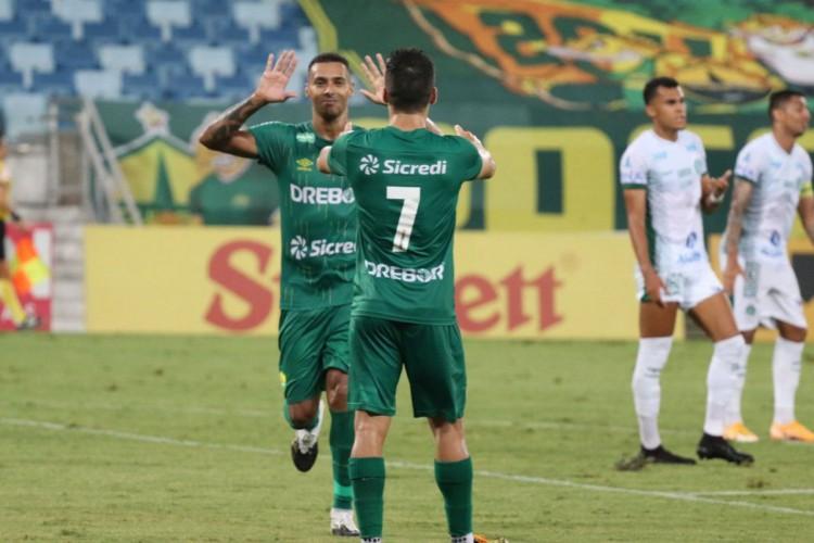 Cuiabá goleia Guarani por 4 a 0 na Série B (Foto: )