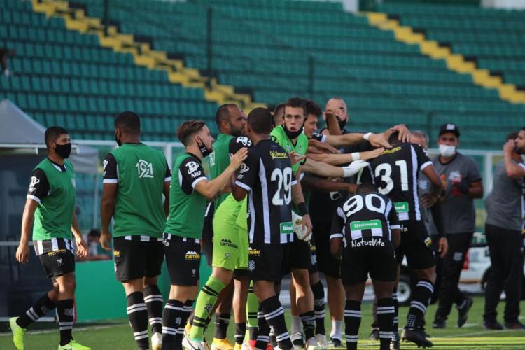 Série B: Figueirense vence Brasil de Pelotas e deixa Z-4 (Foto: )