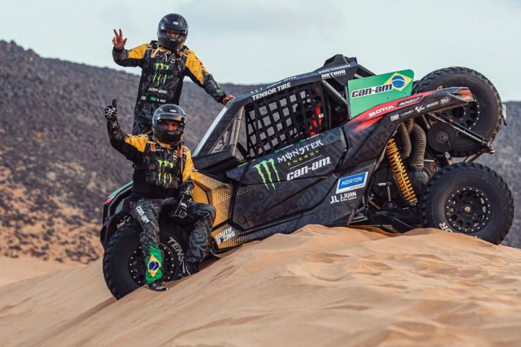 Brasilfinaliza rali Dakar com vitória na última das 12 etapas  (Foto: )