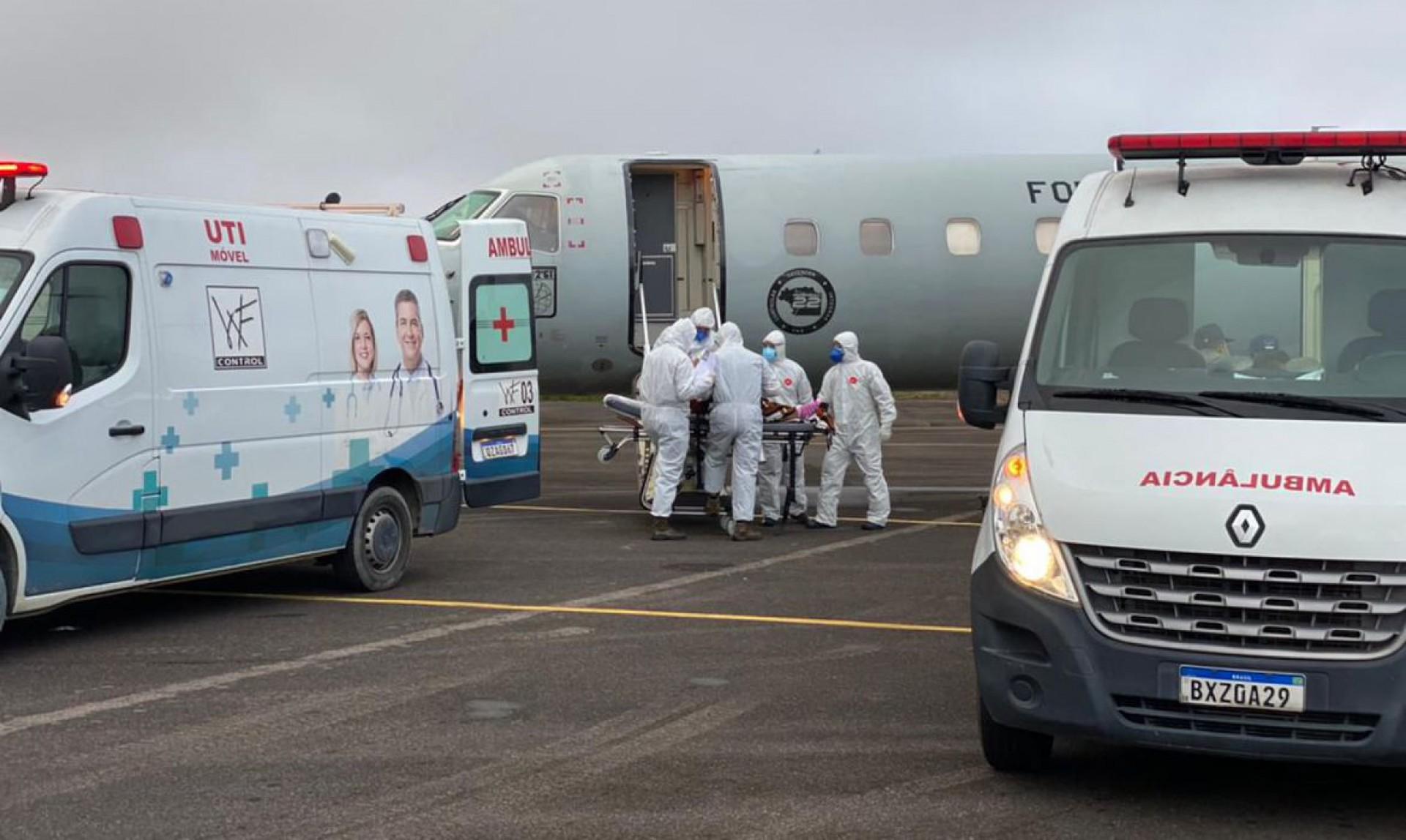 Primeiro embarque de pacientes com covid-19 do Amazonas que serão transferidos para outros estados (Foto: Divulgação/Força Aérea Brasileira (FAB))