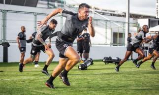 Jogadores do Ceará fazem treino de apronto antes do duelo contra Bragantino