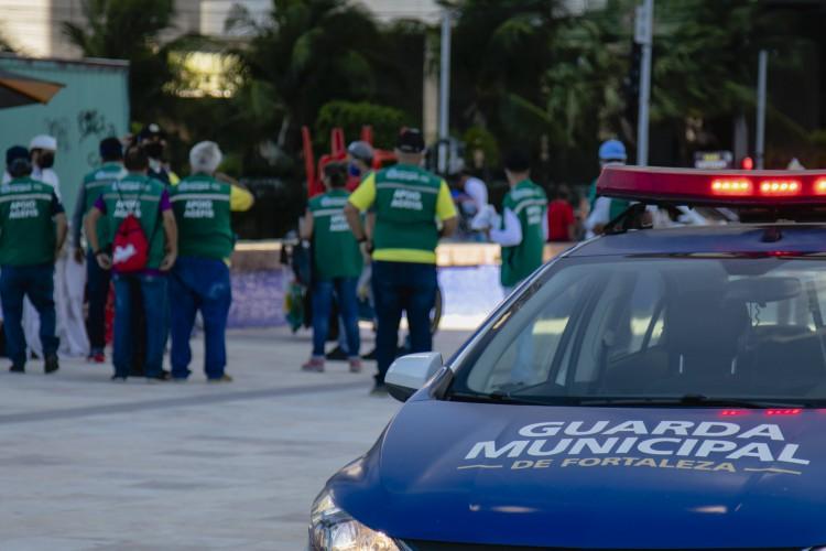 Agefis, Guarda Municipal e outros órgãos de segurança atuam na garantia de cumprimento de medidas contra a Covid-19.  (Foto: Aurelio Alves/O POVO). (Foto: Aurelio Alves)