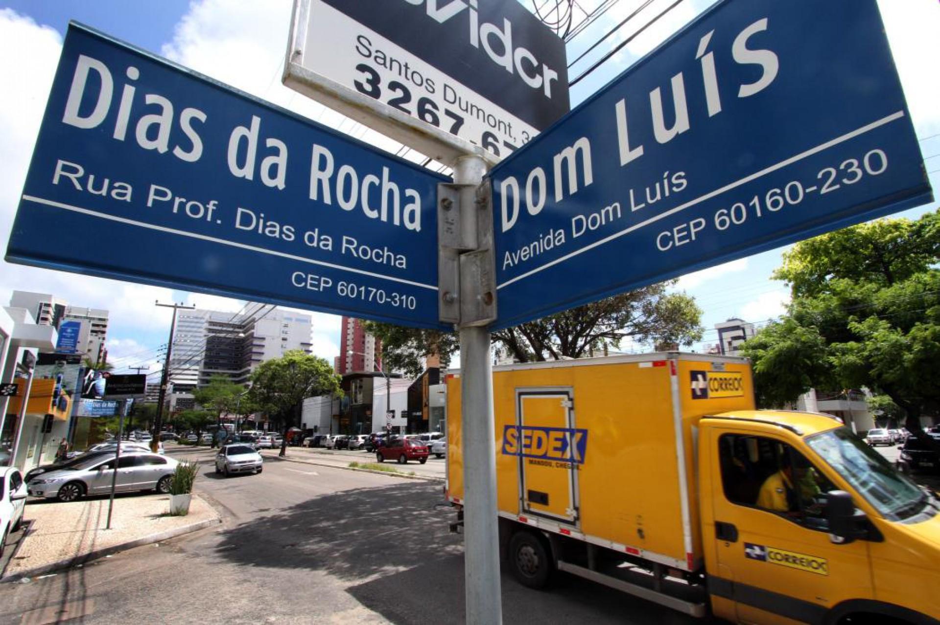 Placas das ruas e avenidas de Fortaleza vão ter nome dos bairros; veja detalhes