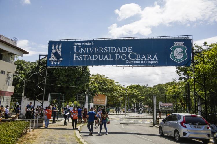 Campus do Itaperi, da UECE. (Foto: Thais Mesquita/OPOVO) (Foto: Thais Mesquita)
