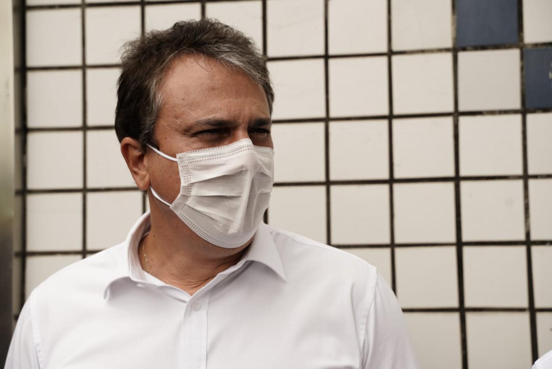 Bloco de opositores a Bolsonaro, como o governador Camilo Santana, tem gerado maior engajamento nas redes sociais (Foto: Júlio Caesar)