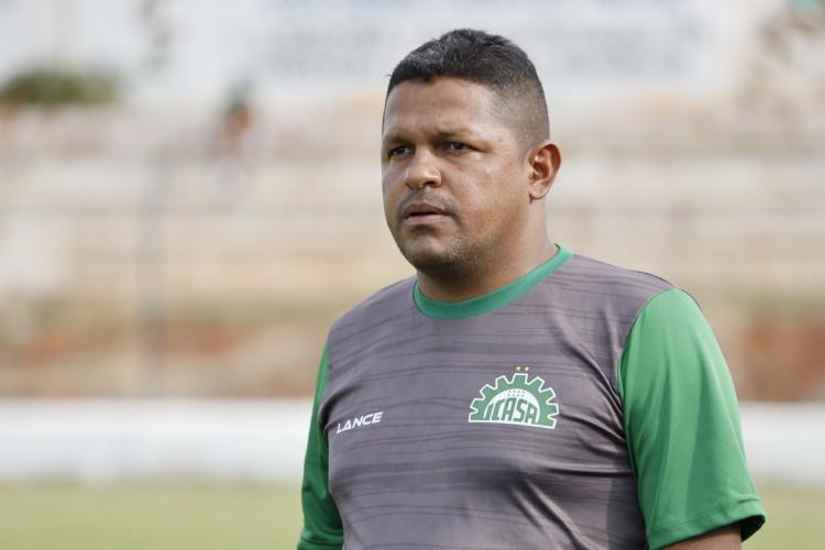 Técnico Washington Luiz se despediu do comando do Verdão do Cariri (Foto: @segundo_filmagens)