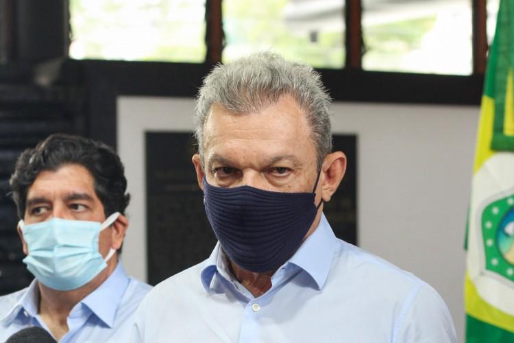 Prefeito de Fortaleza, José Sarto (PDT), pontua que com a baixa na arrecadação, a criação de benefícios sociais e econômicos como ações de combate a pandemia na Capital se aproxima do limite (Foto: Deisa Garcêz/Especial para O Povo)