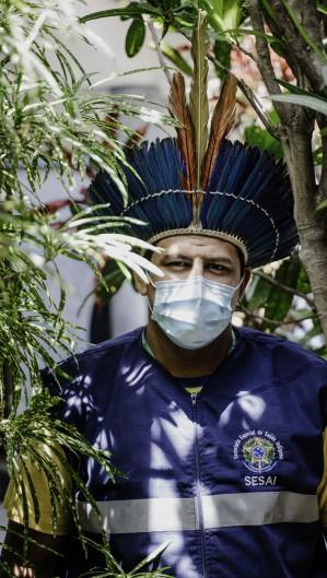 FORTALEZA, CE, BRASIL, 22-01-2021: Neto Pitaguary, trabalhador de saúde indígena. Impacto da COVID-19 na população indígena do Ceará. (Foto:Júlio Caesar / O Povo)