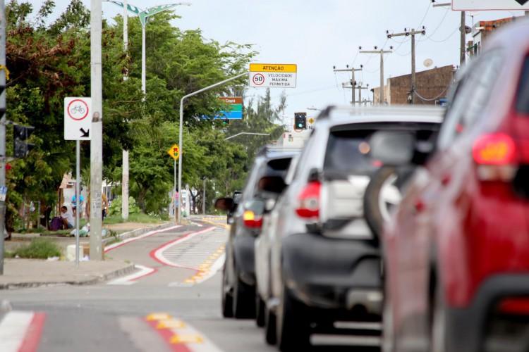 Com novo limite de velocidade em mais um trecho da Leste-Oeste, haverá período de seis meses para adaptação dos motoristas (Foto: Marcos Moura/ Divulgação Prefeitura de Fortaleza)