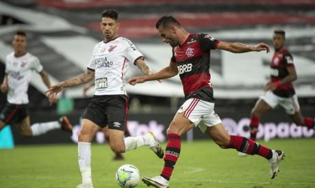 Flamengo e Athletico Paranaense se enfrentam hoje, 20, pela Copa do Brasil. Veja onde assistir ao vivo à transmissão e qual horário do jogo.