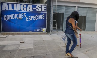 FORTALEZA, CE, BRASIL, 25-01-2021:  Crise na economia - lojas fechadas na Av. Monsenhor Tabosa (Foto: Fco Fontenele/O POVO)