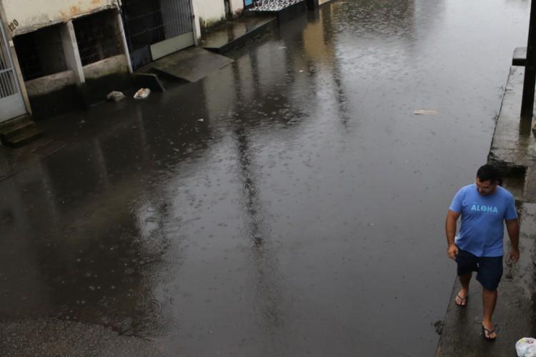 Conforme a Funceme, as  chuvas estão sendo associadas à atuação do Vórtice Ciclônico de Altos Níveis (VCAN) (Foto: Fábio Lima/O POVO)