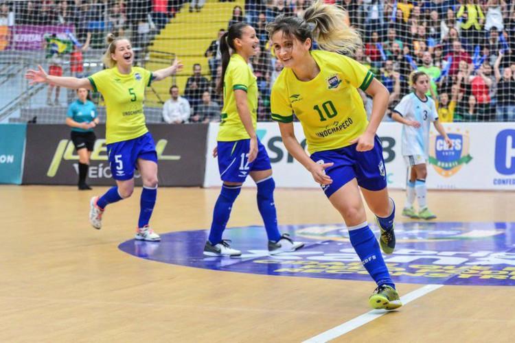 Com hepta de Amandinha, Brasil domina premiação do futsal mundial (Foto: )