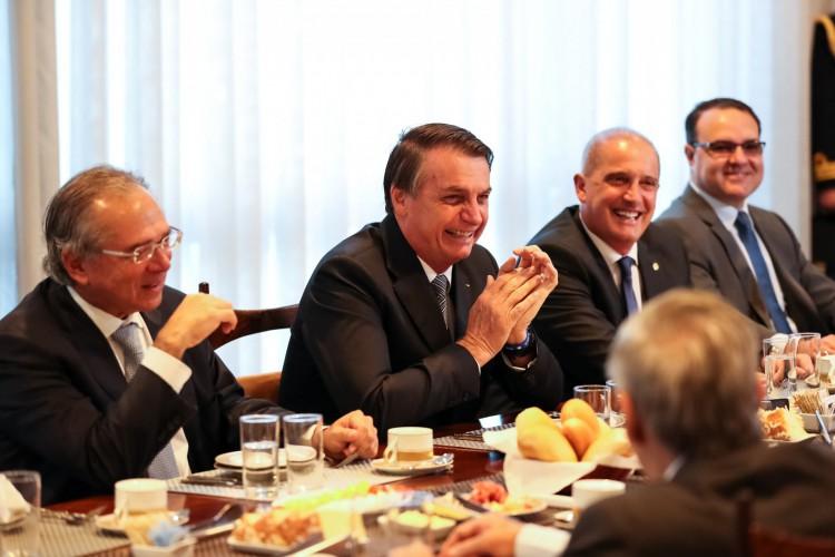 Presidente Jair Bolsonaro durante café da manhã com ministros, autoridades do Supremo Tribunal Federal e do Congresso Nacional (Foto: Marcos Corrêa/PR)