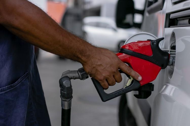 FORTALEZA, CE, BRASIL, 26.01.2021: Aumento do valor da gasolina. Em época de COVID-19. (Foto: Aurelio Alves/O POVO). (Foto: Aurelio Alves)