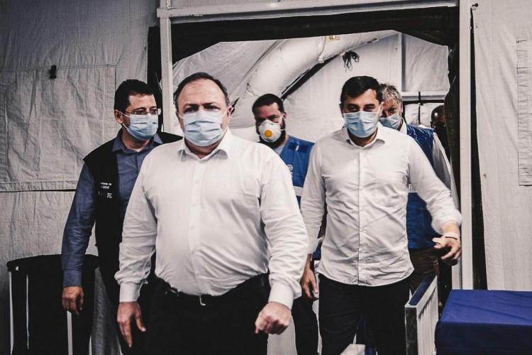 O ministro da Saúde, Eduardo Pazuello, e o governador Wilson Lima visitaram a enfermaria de campanha e o hospital Nilton Lins (Foto: Ministério da Saúde)