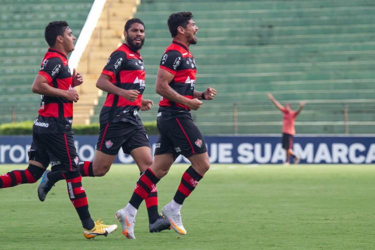A equipe baiana pode aumentar a distância para o Figueirense, primeiro clube do z-4 (Foto: Letícia Martins/ECV)