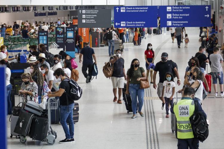 DOS 61 PACIENTES SUSPEITOS, 44 (72,13%) são viajantes e 17 (28,87%) contactantes (Foto: Thais Mesquita)