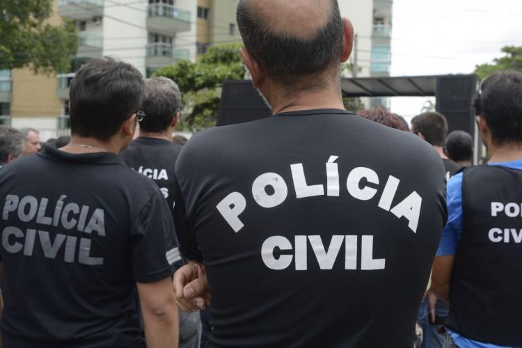 Vitória/ES - Polícia Civil do Espírito Santo faz paralização até a meia noite de hoje(8) em protesto ao assassinato de um investigador em Colatina e às más condições de trabalho. (Tânia Rêgo/Agência Brasil) (Foto: Tânia Rêgo/Agência Brasil)