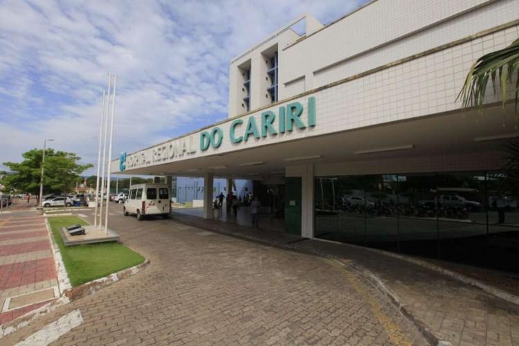 Hospital Regional do Cariri, unidade de referência na região, segue com alta ocupação de leitos de UTI (Foto: divulgação)