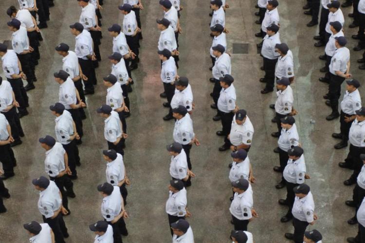 Camilo Santana, governador do Ceará, durante promoção de 1.700 policiais e bombeiros militares em solenidade realizada no Centro de Eventos do Ceará, em dezembro de 2016 (Foto: MATEUS DANTAS - 27/12/2016)