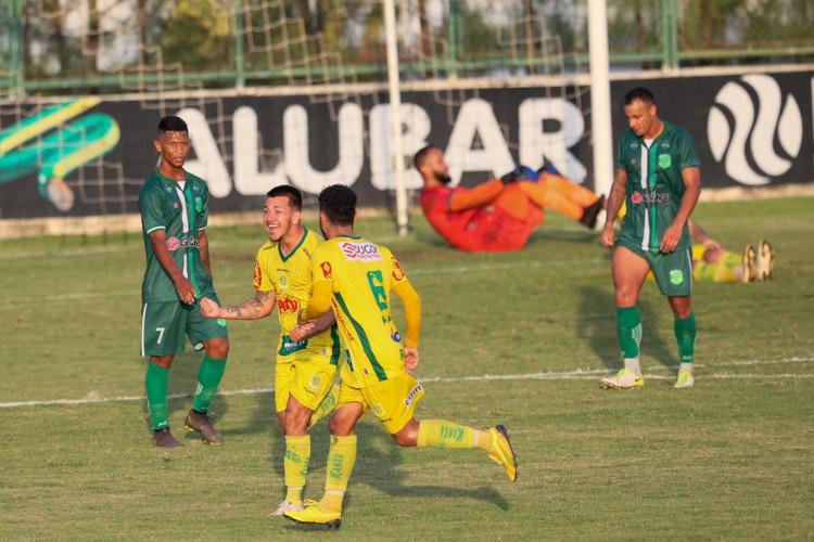 Mirassol vence Floresta por 1 a 0, em ida da final da Série D (Foto: JL Rosa / O POVO)