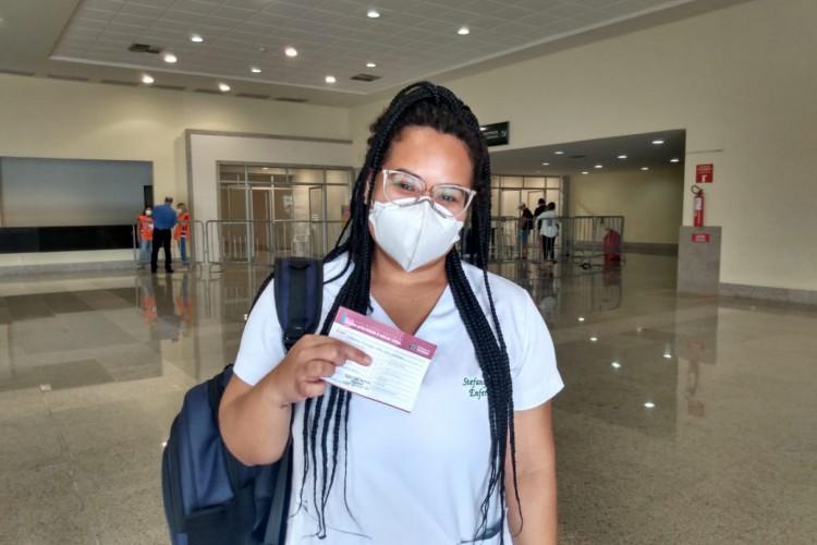Estefany Braga, enfermeira da Unidade de Pronto Atendimento (UPA) do bairro Edson Queiroz (Foto: Irna Cavalcante)