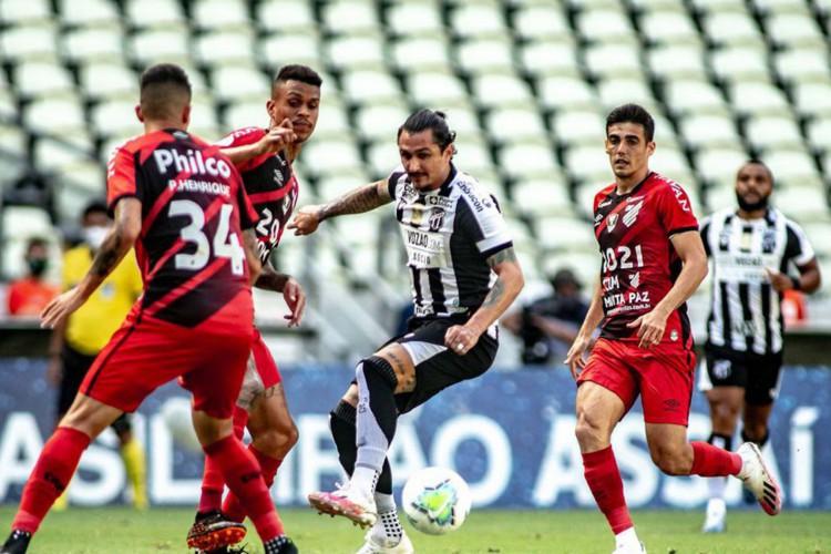 Ceará não vence o Athletico-PR há mais de nove anos (Foto: Aurélio Alves)