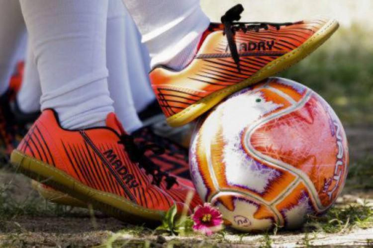 Confira os jogos de futebol na TV hoje, terça-feira, 2 de janeiro (02/02).  (Foto: Tatiana Fortes/O Povo)