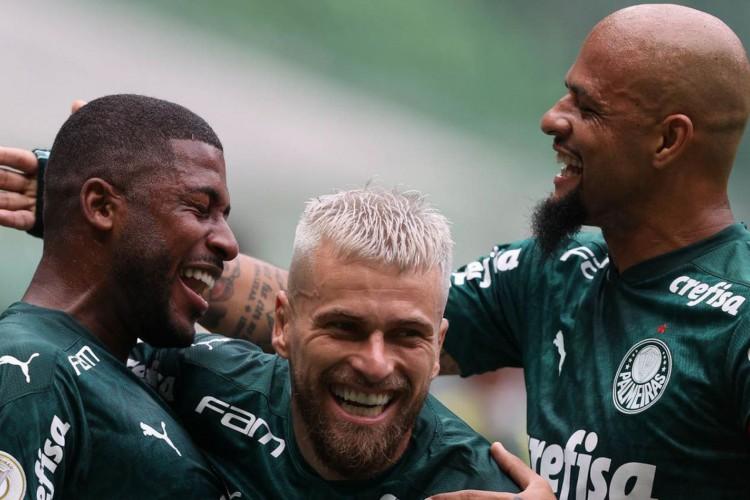 O Palmeiras tenta quebrar um enorme tabu contra o Coritiba (Foto: Cesar Greco)