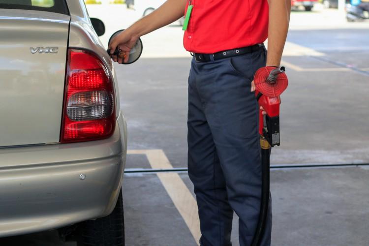 Ação de fiscalização encontra 14 irregularidades em pontos de venda de combustíveis no Ceará. As ocorrências ocorreram nas cidades de Fortaleza, Aquiraz, Cascavel e Itaitinga (Foto: BARBARA MOIRA)
