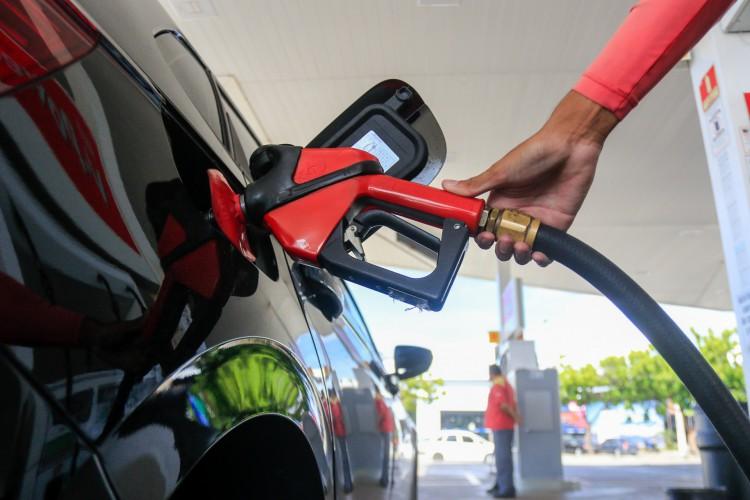 O preço do litro da gasolina já passa de R$ 5 em no Ceará (Foto: BARBARA MOIRA)